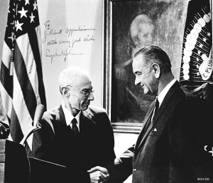 Oppenheimer_receives_Enrico_Fermi_Award_from_LBJ_91250